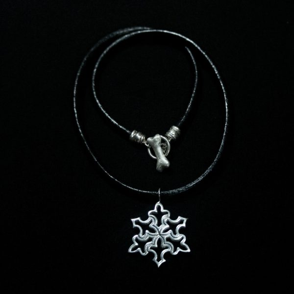 Snowflake Pendant – Medium